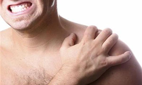 Causas emocionales de los hombros