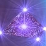 Creando su pirámide de poder en la quinta dimensión por el Arcángel Miguel