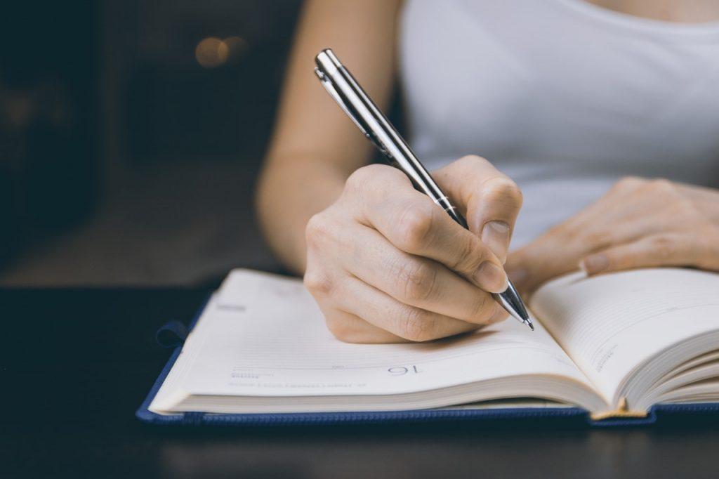 escribir un diario terapéutico