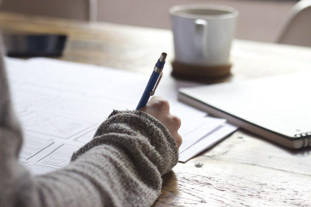 Escribiendo un diario de emociones