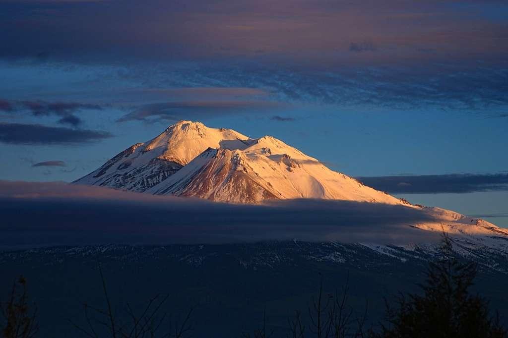 Mt. Shasta - Mt. Shastina, El primero de los chakras de la tierra