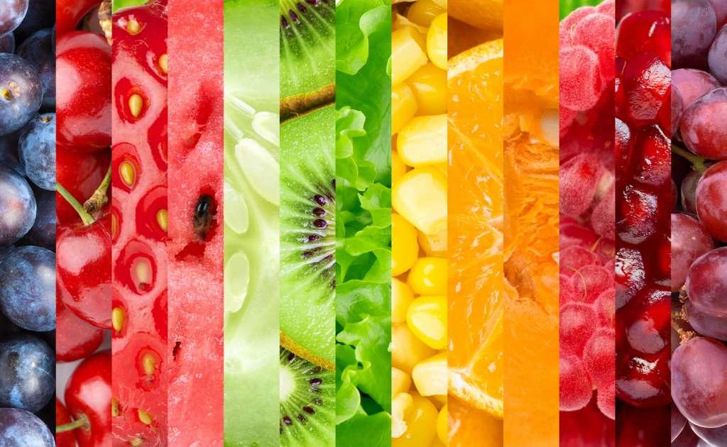 Frutas con mucho colorido para tratar la comida como medicina