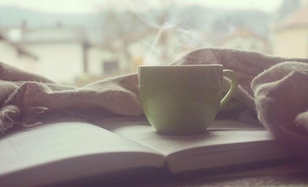 Aumentar la vibración con un buen desayuno y un libro